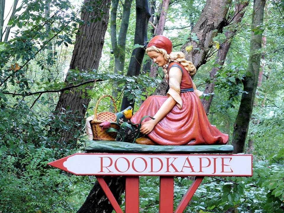 spooky forest, efteling park, amusement