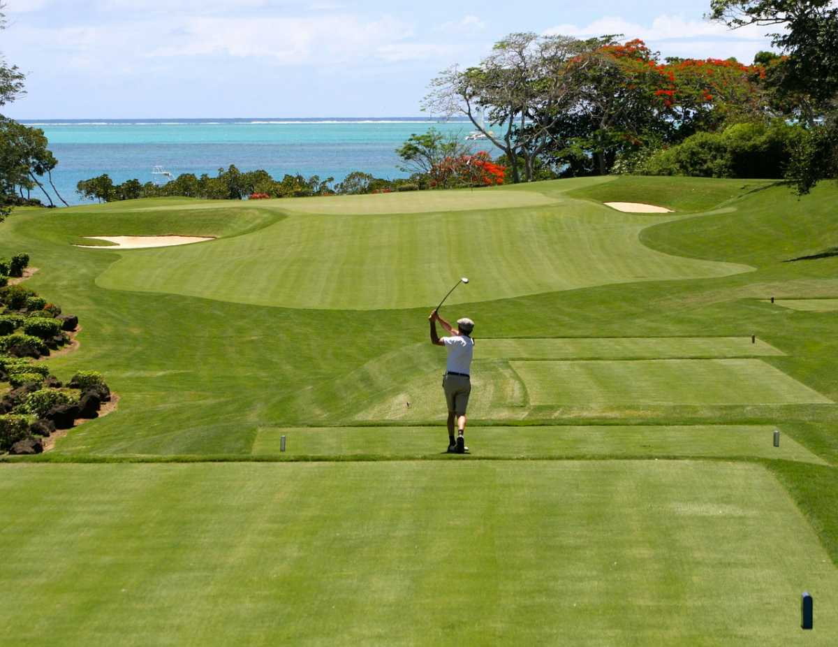 A golf course in Mauritius, Mauritius vs Seychelles
