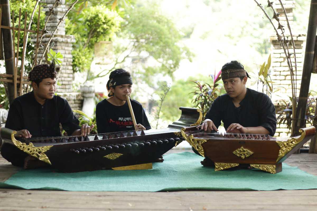 Tembang Sunda Music of Indonesia