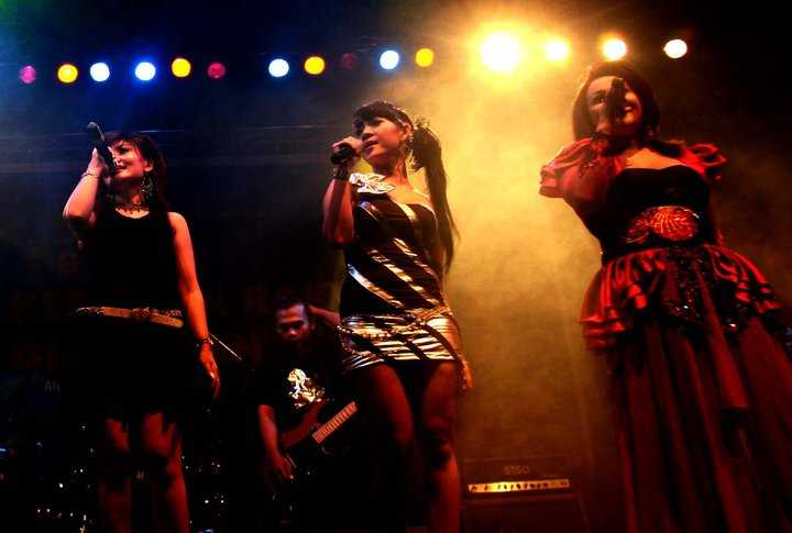Dangdut, music of Indonesia