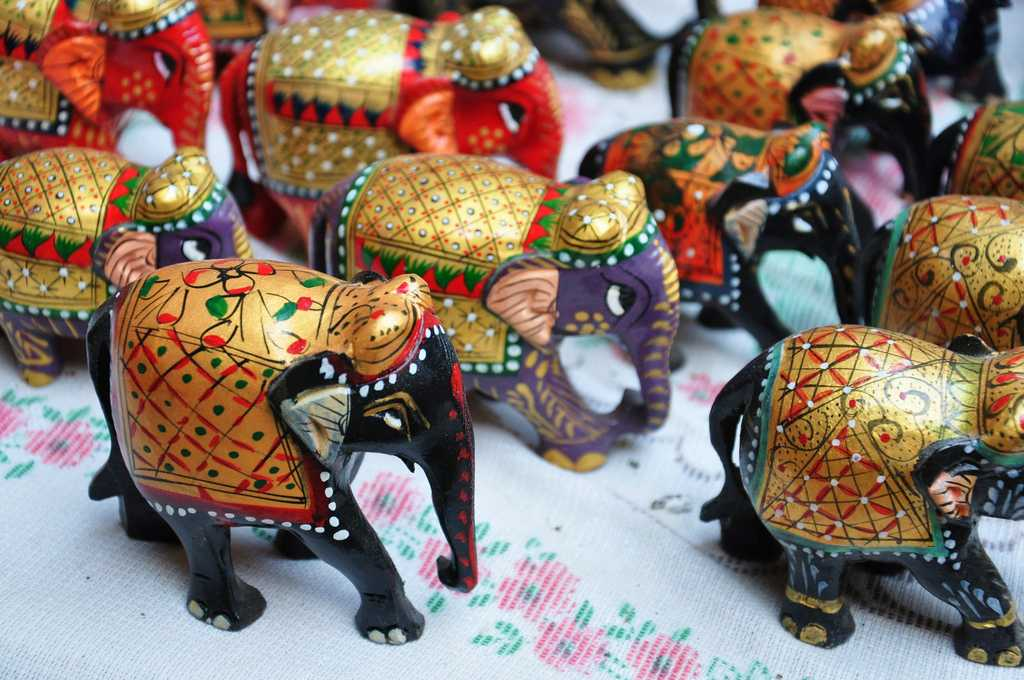 Best Souvenirs To Buy From 29 States Of India Holidify