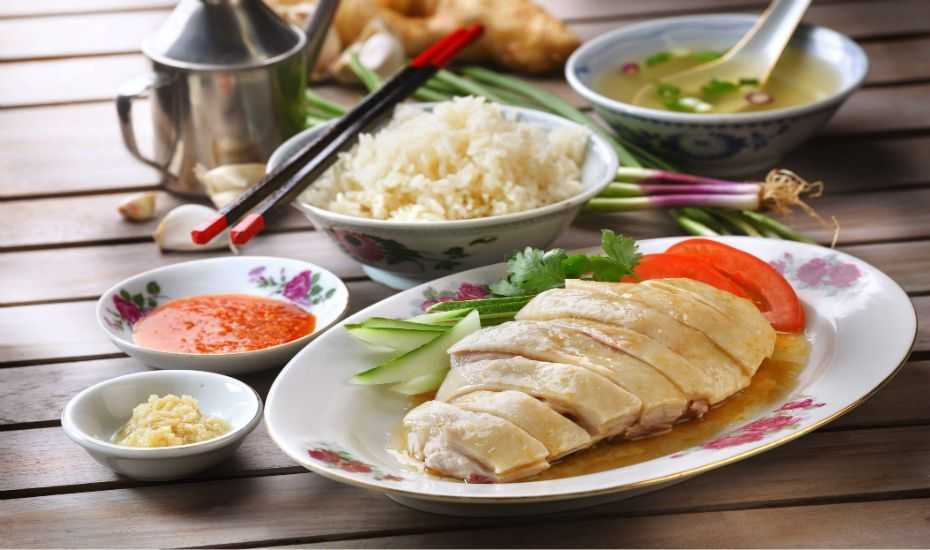 Hainanese Chicken Rice, Food and drinks in Singapore