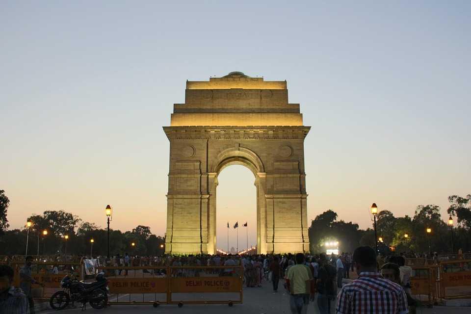 India gate, nightlife in Delhi for singles