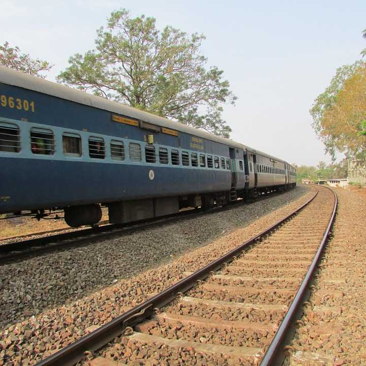 train, ten superfast trains in india