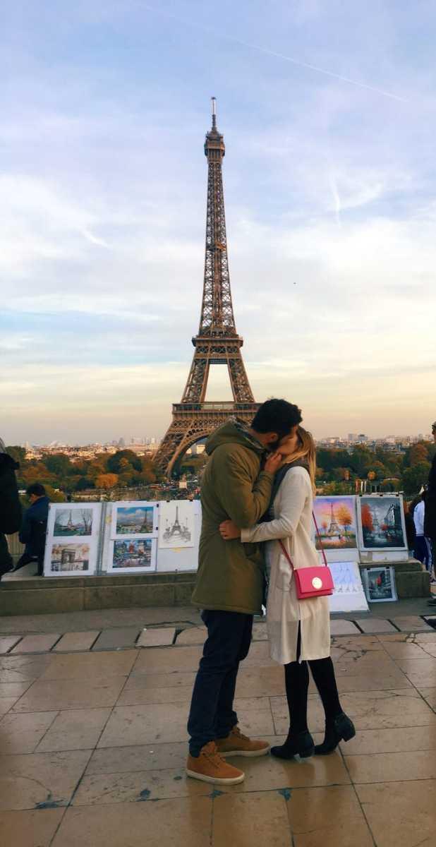 Instagram girl kisses stranger in front of eiffel tower