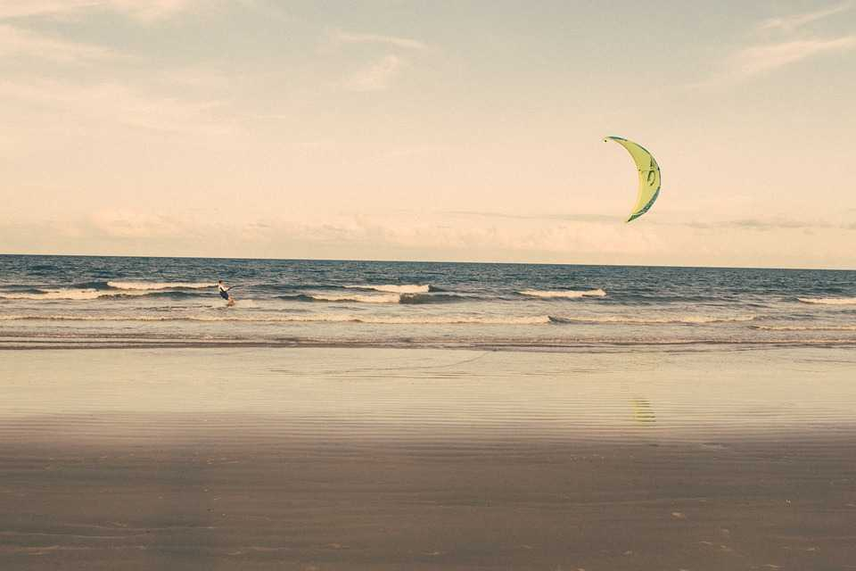 Canggu Beach, Kitesurfing in Bali