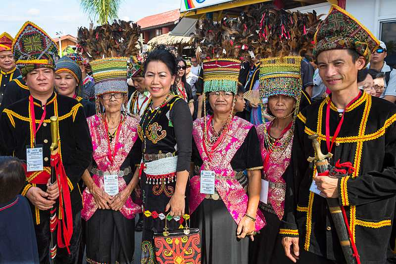 Traditional Kadazan Dress, Traditional clothes in Malaysia