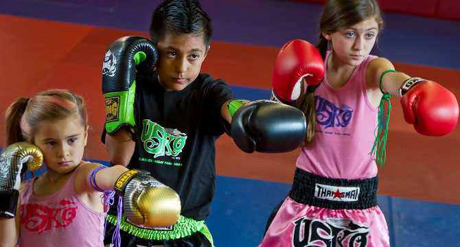 Children training in Muay Thai from a young age, Muay Thai Kickboxing