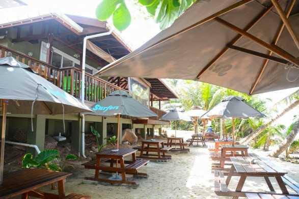 Surfers Beach Restaurant, Seychelles nightlife