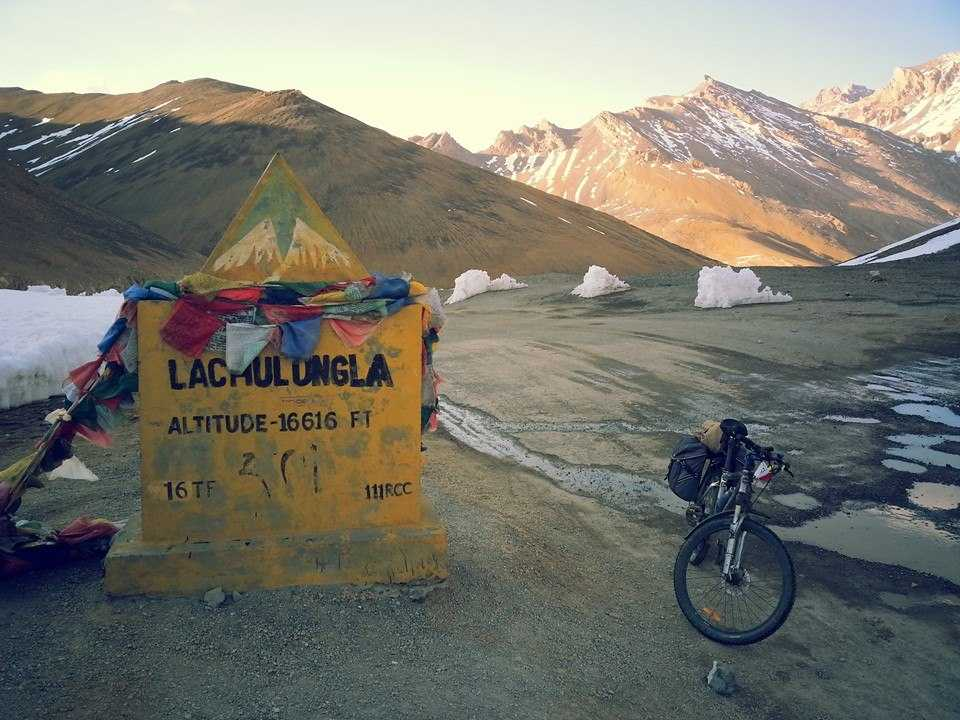 Lachung La, Highest motorable roads in India