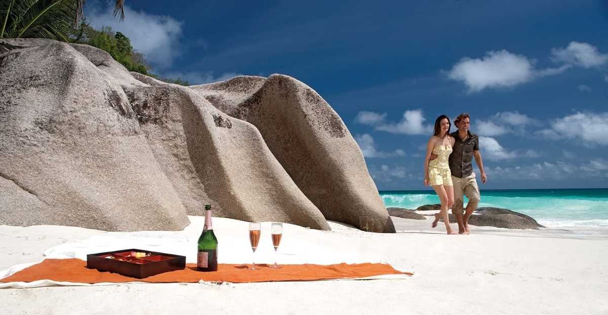 Honeymoon / Couple's Trip, Zanzibar vs Seychelles