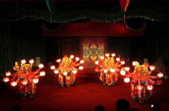 Vietnamese Culture, Lantern Dance