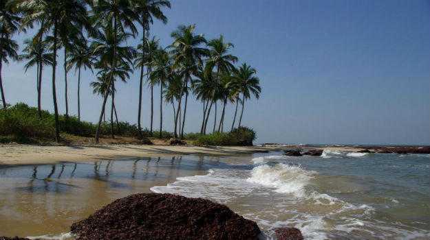 romantic places in mumbai, madh island beach