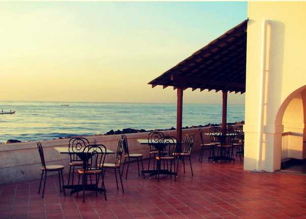 Le Cafe, Cafes in Pondicherry