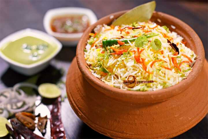 street food in nagpur, matka biryani nagpur