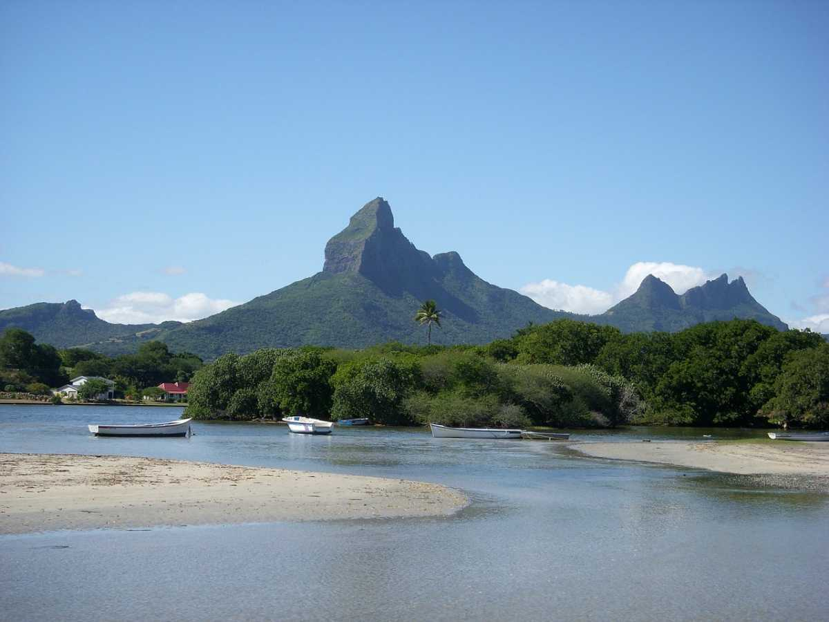 West Coast catamaran cruise, Mauritius Cruise