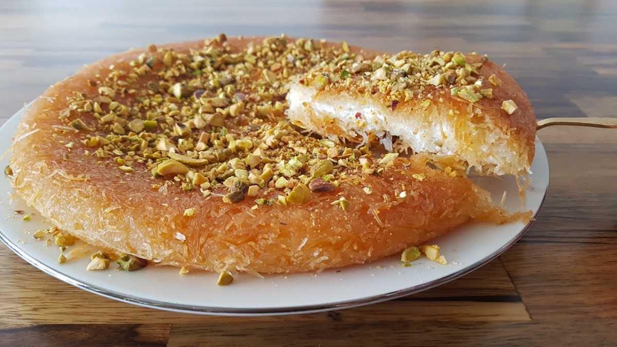 Knafeh, Street food in Dubai