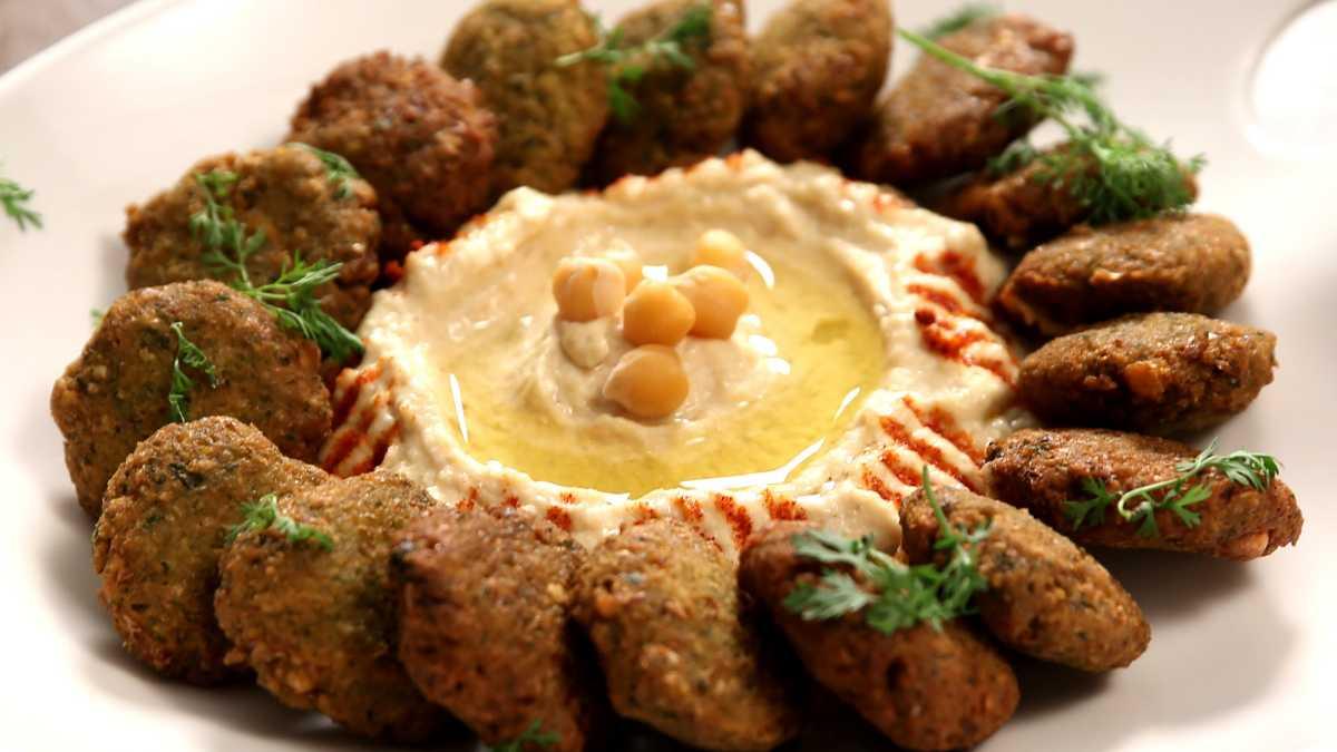 Falafel, Street food in Dubai
