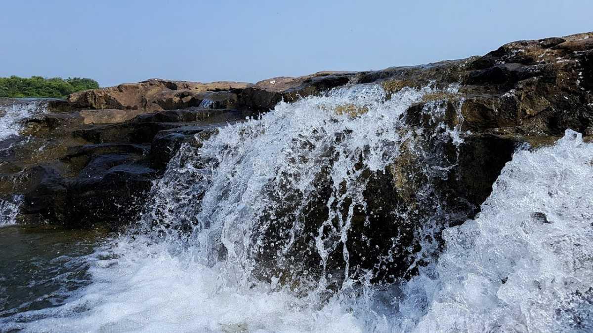 Zanzari Waterfalls, Picnic Spots near Ahemedabad