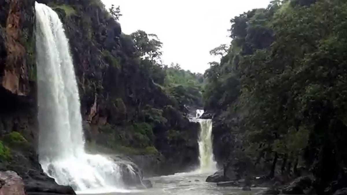 Sitlamata Falls, picnic spots near indore