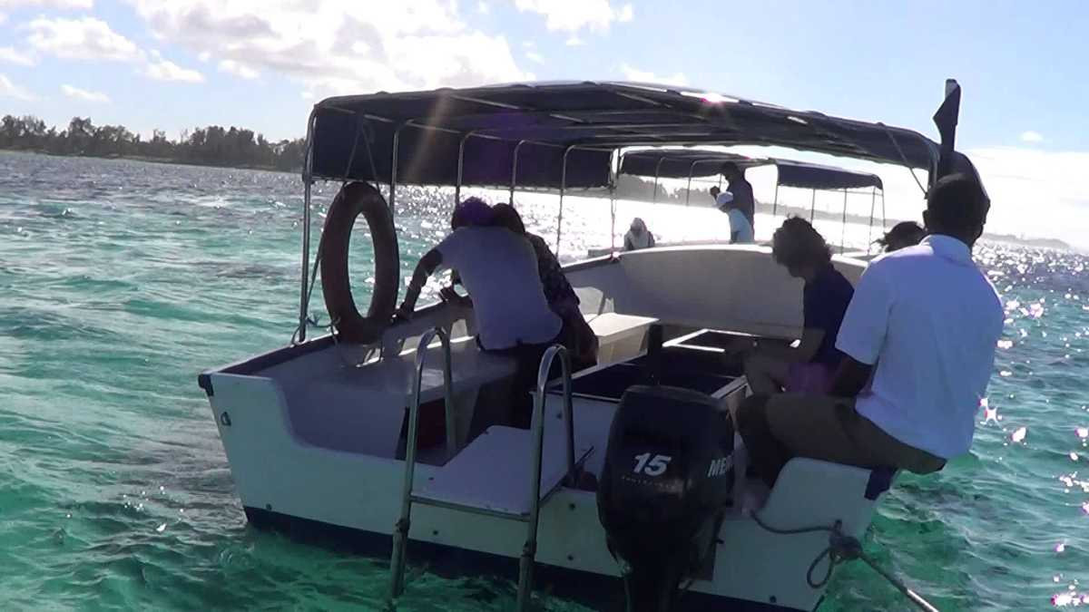 Glass Bottom Boat Ride, underwater excursions in Mauritius, excursions in Mauritius