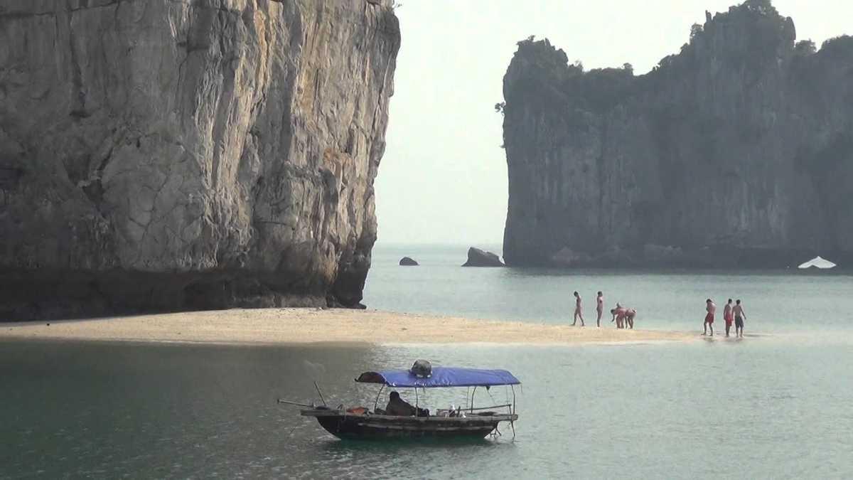 Ba Trai Dao Beach Halong Bay