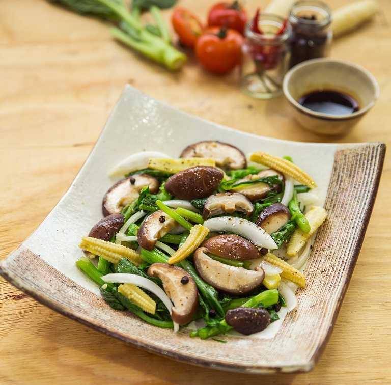 Vegetarian Food in Vietnam, Cai Xao Nam