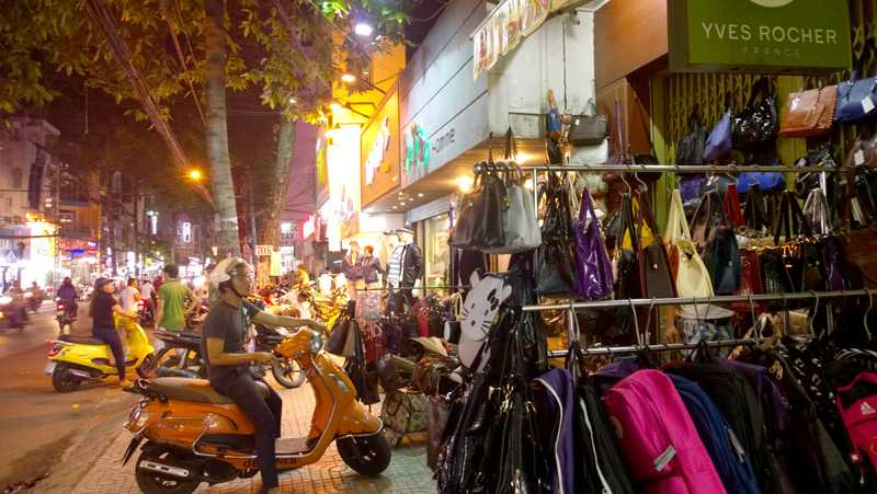 Nguyen Tri Phuong Market, Shopping in Ho chi Minh City