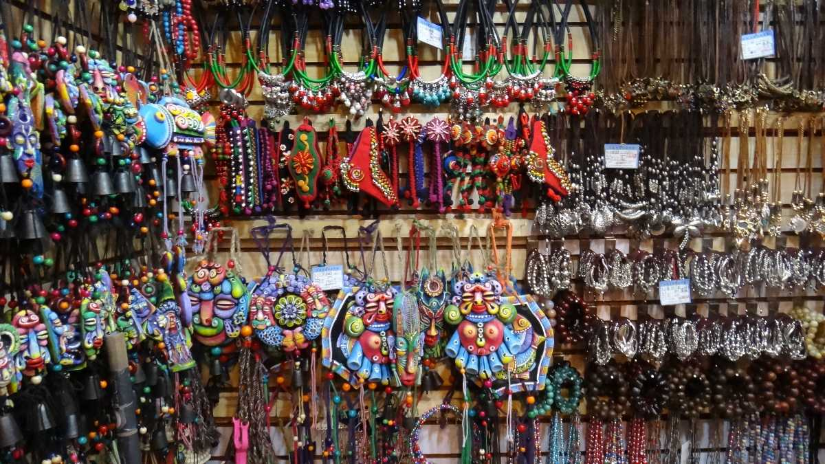 Things to buy at Bapu Bazaar