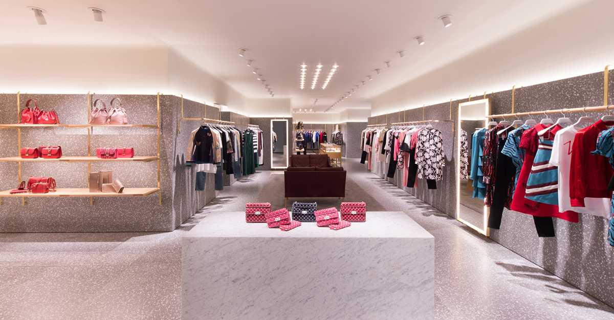 Best shopping places in Jakarta Plaza Indonesia