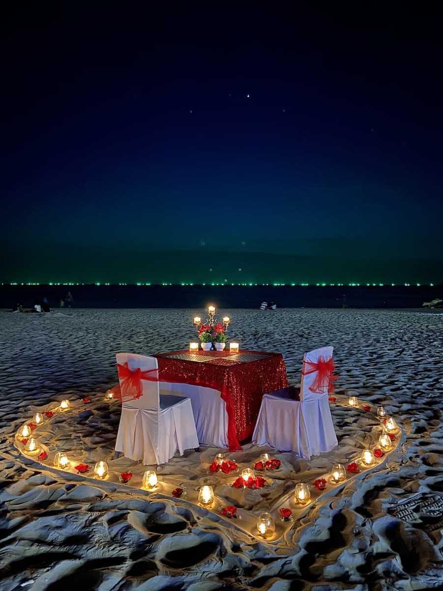 Romantic Dinner Under The Stars