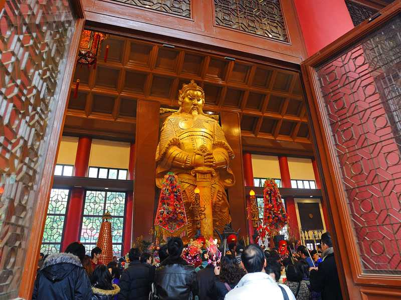 Che Kung statue at Sha Tin Che Kung Temple