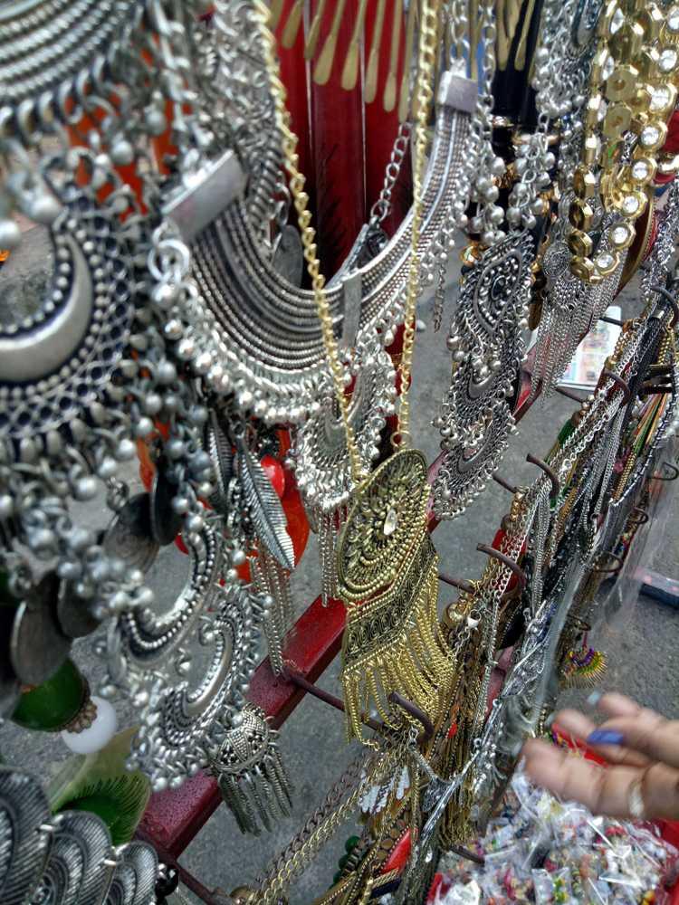Nehru Street Market