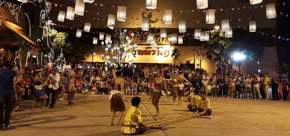 Traditional Thai Dance at Siam Niramit Bangkok