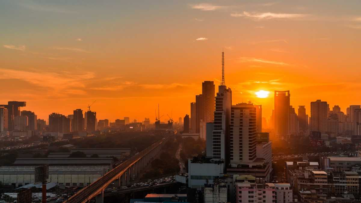 Sunrise in Bangkok, Bangkok Facts and Information
