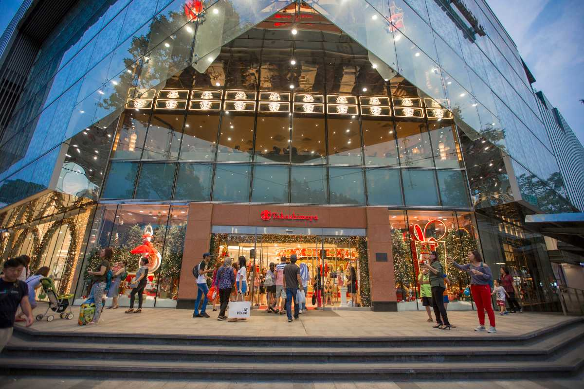 Shopping in Vietnam, Takashimaya Ho Chi Minh City, Malls in Vietnam