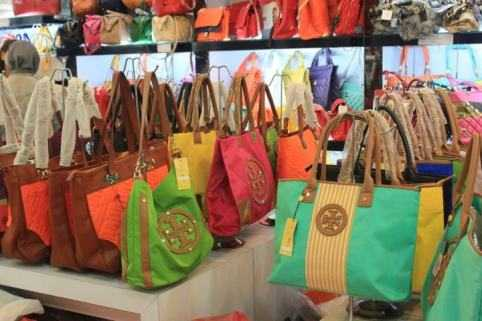 Bags Shopping In Batam