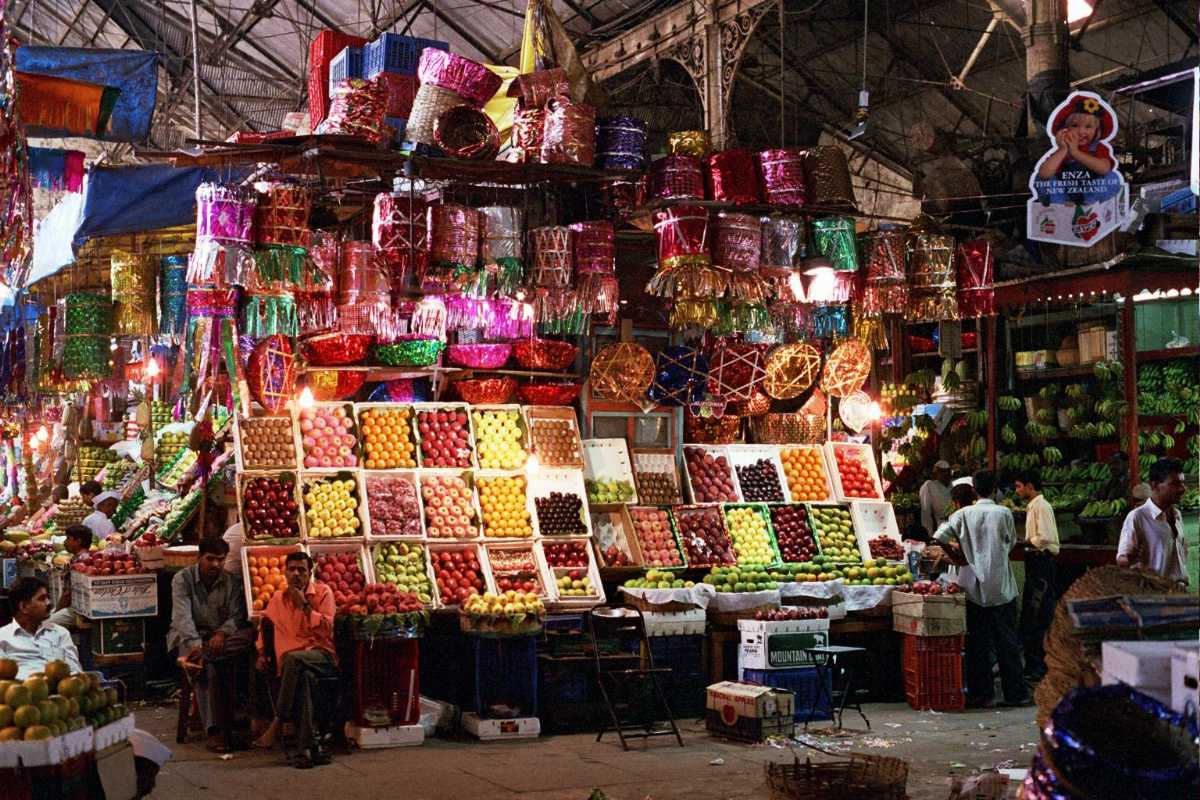Fruit shops at Crawford Market, Shopping in Mumbai
