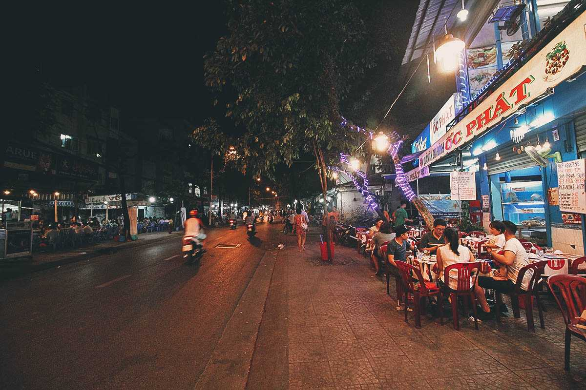 Vinh Khanh Street, Street Food in Ho Chi Minh City