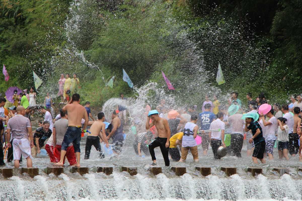 Songkran festival : Water fights