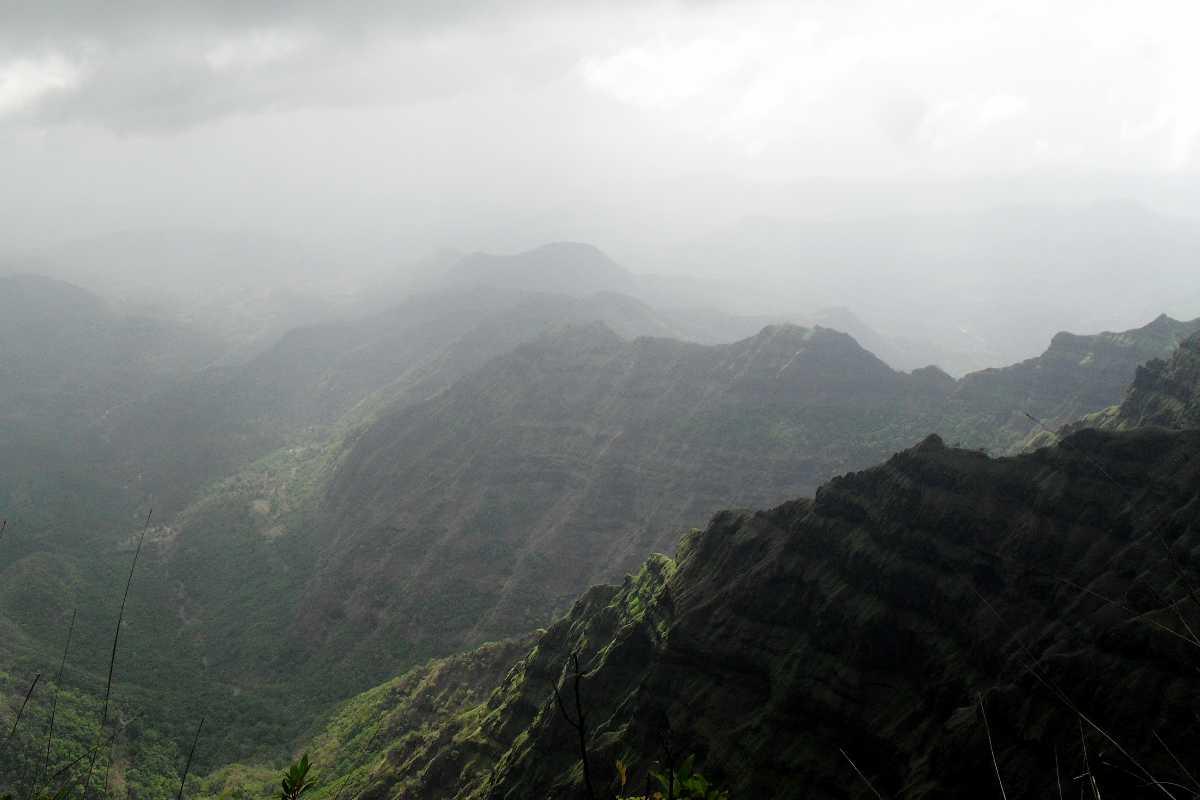 Arthur Seat in Mahabaleshwar before the rains