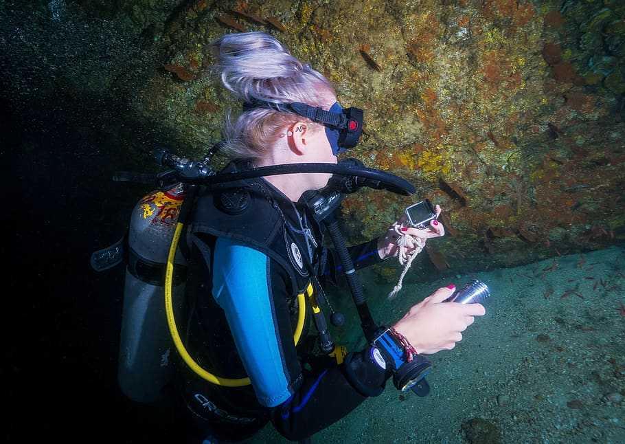 Diving in Hong Kong