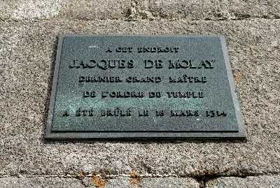 Jacques de Molay Memorial, Pont Neuf