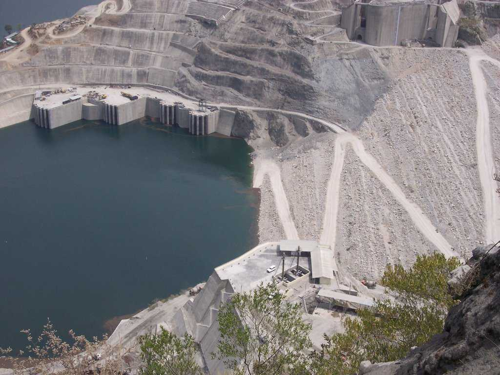 the history of the tehri dam Prime minister concedes a review of tehri dam there has been a long history of opposition to the tehri dam project since 1972 when the planning commission.