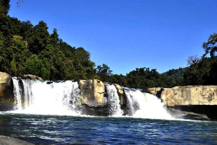 barak waterfall  tamenglong