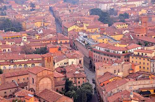 Best time to visit Bologna > Weather and festivals